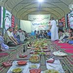السوريون يصومون عن ملذّات رمصان ويصبغونه بقساوة حربهم